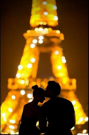 6802686f9f9a8cdb607cb7befe7a11e7--paris-romance-romantic-paris
